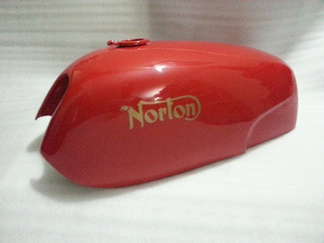 NORTON COMMANDO FASTBACK SHEETMETAL PAINTED GAS FUEL PETROL TANK